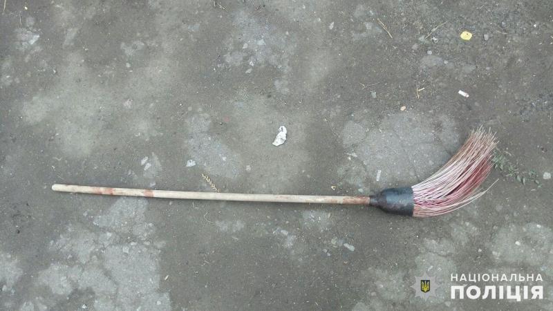 У Покровській оперзоні правоохоронці затримали чоловіка, який вбив рідну матір, фото-3